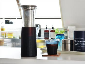 ドリップで作るアイスコーヒーの他に、水出しで作るコーヒーも夏らしい飲み物。ジャグの中には目の細かいストレーナーが入っていて、水出しで美味しいコーヒーを淹れることができます。
