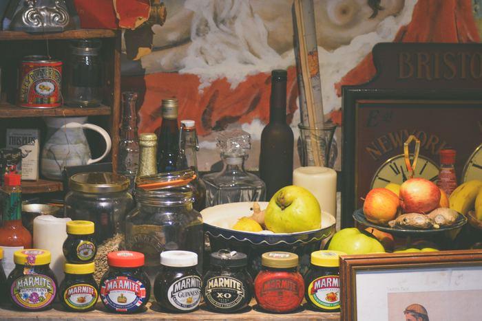 一般の家庭には、必ずといって良いほど常備されているケチャップやマヨネーズ、ドレッシングなど。でもあまり好きな味ではなかったり、使い切れずに賞味期限が過ぎちゃっていた…なんてことも多いのではないでしょうか。