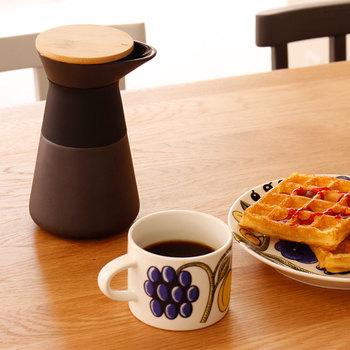 デンマークのステルトン社が手掛ける、無駄がない洗礼されたデザインが印象的なコーヒードリッパー。