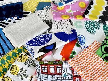 素材や色柄など、自分好みで作れるのもハンドメイドの魅力。北欧テキスタイルのはぎれを使って作るのもおすすめですよ。