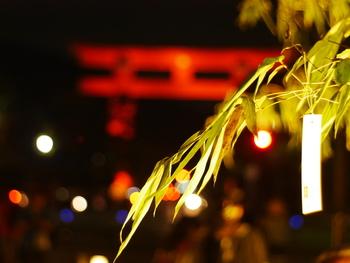 平安神宮の大鳥居を背景に七夕を楽しめる岡崎会場や、ホタルをイメージしたイルミネーションが美しい梅小路公園会場は、 子どもたちにも楽しめる空間作られているので、ぜひファミリーで訪れてもらいたい会場です。