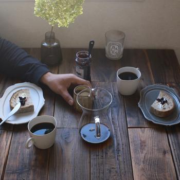 暮らしの中にある美しい日用品として使える益子焼。やさしくやわらかな色合いの器は、はじめての和食器にも良いかもしれません。