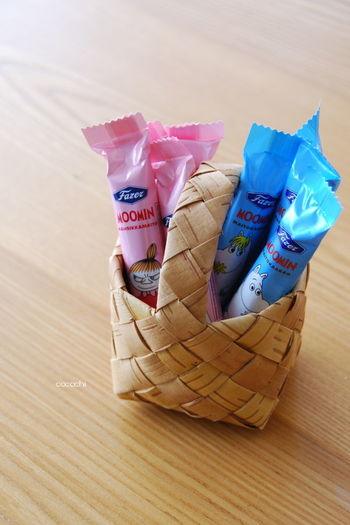 小さいかごには、お子様用のお菓子を入れてみたり・・・。