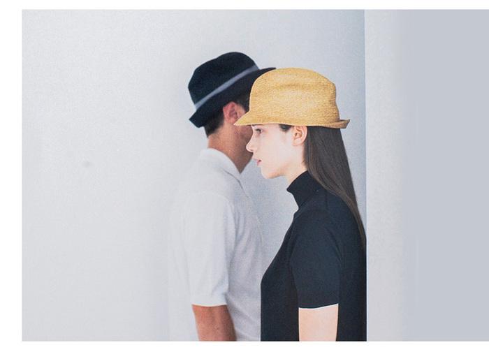 帽子を当たり前にかぶる生活を知ってほしいという思いから生まれた「mature ha.(マチュアーハ)」の帽子。シンプルなデザインで、形を変えてさまざまなかぶり方ができるのも特徴です。