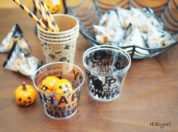 ころんと可愛いミニカボチャは、ハロウィンパーティーのテーブルコーディネートに大活躍。