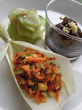 さっぱりとした小鉢を用意したい!と思ったら、お酢を使ったローフードの前菜はいかが? 小鉢も3種加わると食卓も華やかになりますよ。