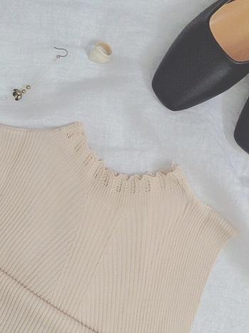 どんなに素敵な洋服でも3パターン以上コーディネートが浮かばないものはタンスの肥やしになってしまします。年に数回あるかないかのパーティーのときも、普段にも着回しができるベーシックなブラックドレスを選んだり、ドレスをレンタルする場合も。