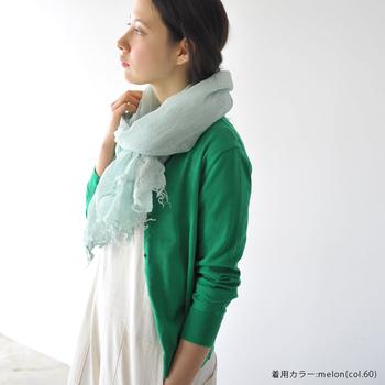 素材やモノ造りにこだわり、ナチュラル・オーガニック・リバティファブリックなどの上品で可愛らしい服を提案している「HEAVEN'S BIRD(ヘブンズバード)」。リネンのサマーストールは夏でもさらりと涼しいアイテム。