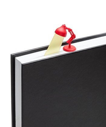 キュートなブックマーカーは、スタンドライトの光の部分がページに差し込めるおしゃれなデザイン。分厚いファイルの目印に使うのもいいですね。