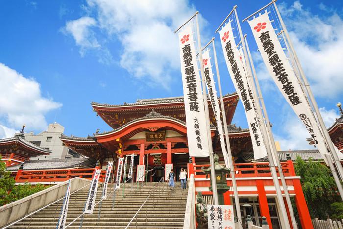 日本三大観音のひとつ大須観音は、市内中心部から近いこともあり、休日は大勢の観光客でにぎわっています。