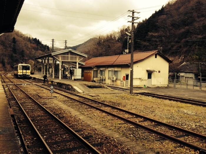 中国山地奥地にひっそりと佇む備後落合駅は1935年に開業された無人駅です。
