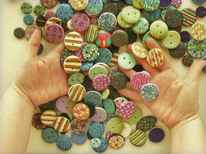 雑貨屋さんやアンティークショップを覗いているときに、可愛らしいボタンに出会うとついつい欲しくなることはありませんか?