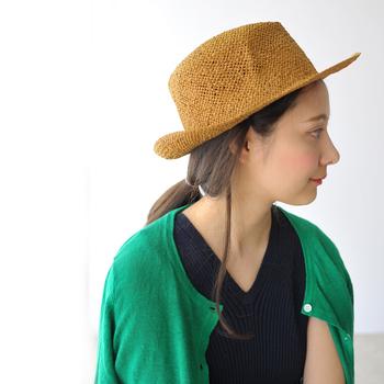 1903年、オーストリアで婦人帽子の小さな仕立て屋さんから始まったミュールバウアー。伝統的な技術を現代に継承し、丁寧にハンドメイドされた帽子は、型崩れにしくい丈夫なつくり。世界中のセレブからも高く評価されています。