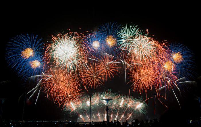 そして、ラストは花火。 夏の夜空を彩る花火をぜひ、その目で楽しんでみてください。