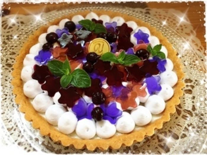 色とりどりのゼリーで紫陽花タルトの完成です♪とっても可愛くて食べるのがもったいなくなっちゃいそう。