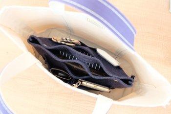これなら中身が見えてもすっきりしていて素敵ですね!必要な時に、さっと中身のバッグを取り出せます。
