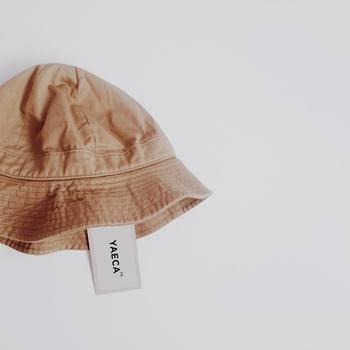 こちらもshi.さんお気に入りの「YAECA(ヤエカ)」の可愛い帽子です。どんなスタイルにも合わせやすいシンプル&ミニマムなデザインと、コロンと丸みのある愛らしいフォルムがとってもおしゃれ☆ベージュの優しい色合いも、女性らしくて上品な雰囲気ですね。