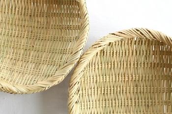 目の詰まった、繊細で美しいざる。 平安時代の昔から、ひとつひとつ、丁寧に作られていた伝統の竹細工です。