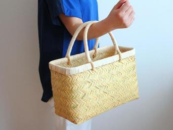お買い物かごとしても使えます。 たくさん入って、安定感も抜群!エコバッグ代わりにいかがですか?