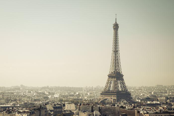 パリといえば、ファッション、食、あとは文化が気になりませんか?パリにはたくさんのアーティストたちが住んでいます。 今回はパリのアーティストが多く居住する2つの地区にスポットを当てて、「パリ式アーティスト生活」をお届けいたします♪