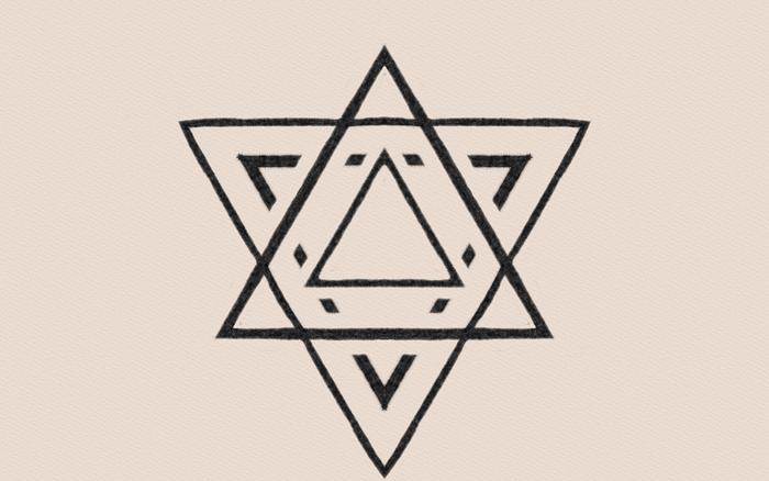 六芒星は、世界的にも知られる形で、籠を編んだ目の模様から、日本では「籠目」といわれます。魔よけの意味があるとされ、背守りにもよく使われます。