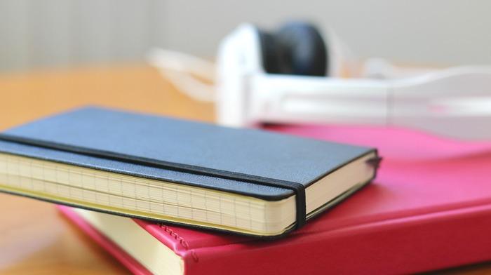 いかがでしたか? お気に入りのノートは見つかったでしょうか? ここに取り上げた以外にも素敵なノートはたくさんあるので、是非皆さんもお気に入りの一冊を見つけてくださいね。