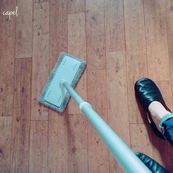 ポールとフローリングモップ水拭き用を合わせて、雑巾がけに使うのがおすすめの使い方です。立ったまますいすい雑巾がけができるので、お掃除もはかどります。