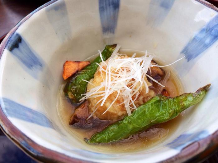 夜21:00からは、コース料理以外に「床BAR」を楽しめます。川床から見える夜景を楽しみながら、美味しいお酒と一緒に京料理をいただきたいですね。