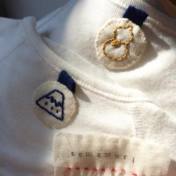 最近は、子供のTシャツの背中に縫い目を入れたり、刺繍をする、というような形で背守りがトレンドになっています!