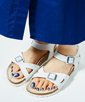 夏のおしゃれは足元で♪どう履きこなす?この夏おすすめの『サンダル』&『最旬コーデ術』