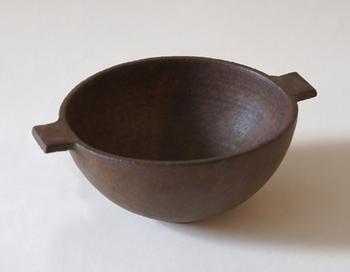耐熱、耐火のスープボウル。こちらもフライパンやグラタンボウルと同様、直火やオーブンなどもOK。炒めてから煮る、を一人分から作れて、とっても重宝します。  サイズ:W175xD135×H65mm