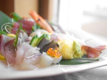 お醤油代わりにお刺身や、炒めもの、煮物はもちろんサラダなどにも活用できて、まさに万能な調味料です♪