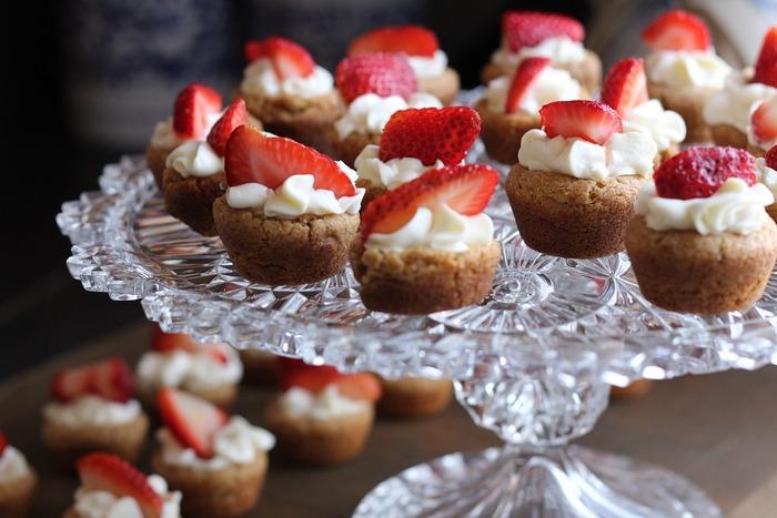 甘い香りにカラフルな彩り・・・お菓子作りは五感を刺激して、集中する時間は気分をリフレッシュさせてくれますよね。誰でも挑戦できるお菓子作りですが、調理器具にこだわればさらにモチベーションも上がって楽しくお料理ができますよ。