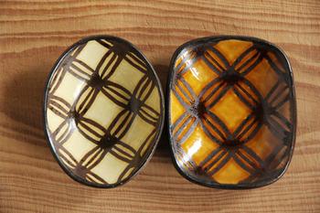 若手陶芸家、山田洋次さんが手がけるスリップウェアの豆皿。 素朴で温かみのある色合いが素敵です。