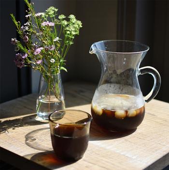 定番のコーヒーですが、夏はひんやり冷たい「アイスコーヒー」で楽しむのがいいですね。ホットコーヒーとはまた違った、すっきりとした豆の美味しさを味わうことが出来ます。