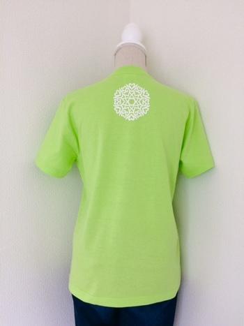 大人用の背守りTシャツもあります。お子さんとおそろいでいかがですか?