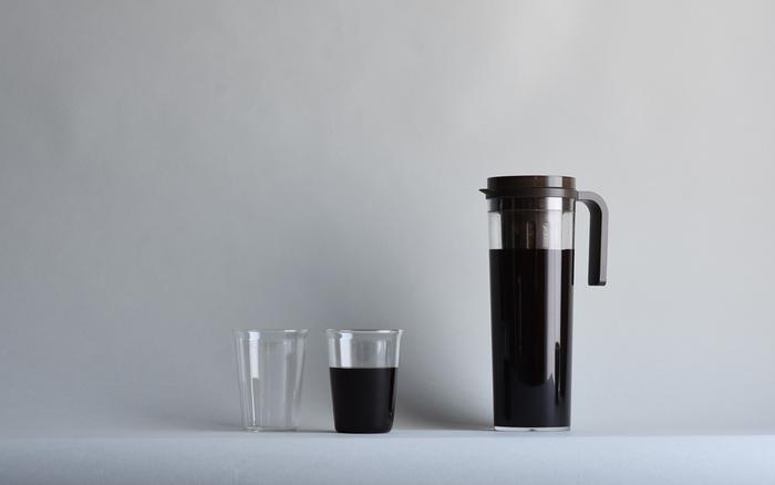 水だしアイスコーヒーは、低温で抽出することにより、熱湯で淹れるコーヒーよりもまろやかな味わいが楽しめます。抽出に少し時間がかかるので、飲みたい前の晩に作っておくと良いですよ。