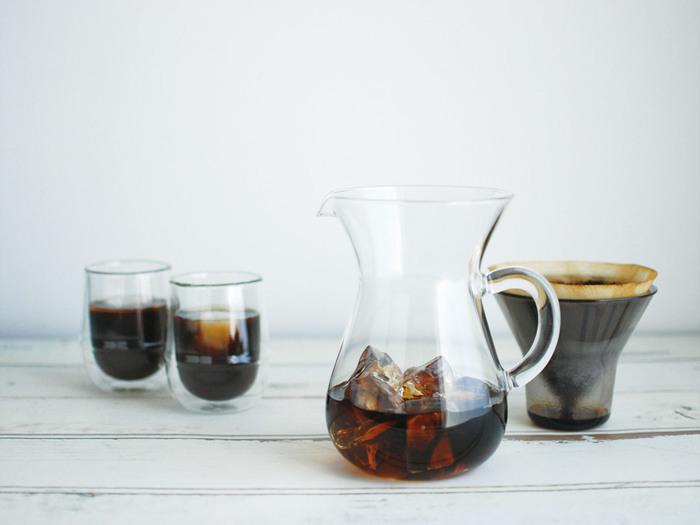 夏にぴったりの「アイスコーヒー」や「コーヒーゼリー」。今回は、ドリップコーヒーで本格的に作る方法をお伝えしましたが、時間がないときは市販のアイスコーヒーやインスタントのコーヒーで代用してもOKです。その時々で使い分けながら、気軽に夏の冷たいコーヒーレシピを楽しんでくださいね。
