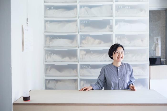 vol.64 トートーニー・神田沙耶香さん-背筋を伸ばす足元の魔法。素足に気持ち良い、靴屋のスリッパ