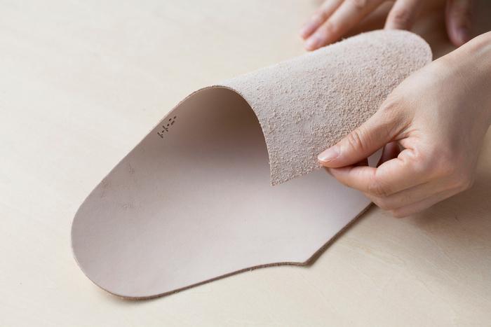 一ヶ所を縫い合わせる、非常にシンプルな作りです