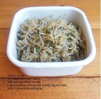 仕込んだ実山椒は、ちりめんじゃこと合わせて炊き上げればちりめん山椒に。爽やかな山椒の香りは、手作りならではの美味しさです。