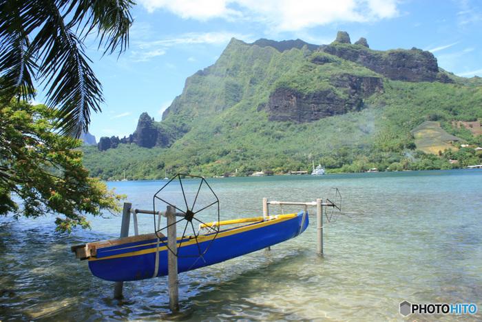 タヒチ島から20キロの距離にある「モーレア島」。パイナップルの名産地として知られています。アクティビティも大充実。