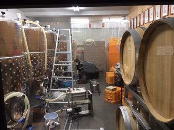 2016年夏にオープンしたばかりの醸造所。事前に予約が必要ですが、土日祝日には醸造所の見学も受け付けてくれます。