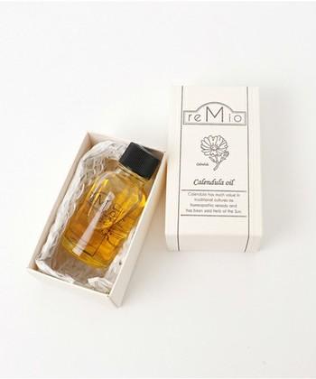 保湿効果の高いオイルを選ぶと、マッサージ後も肌のうるおいをキープしてくれます。