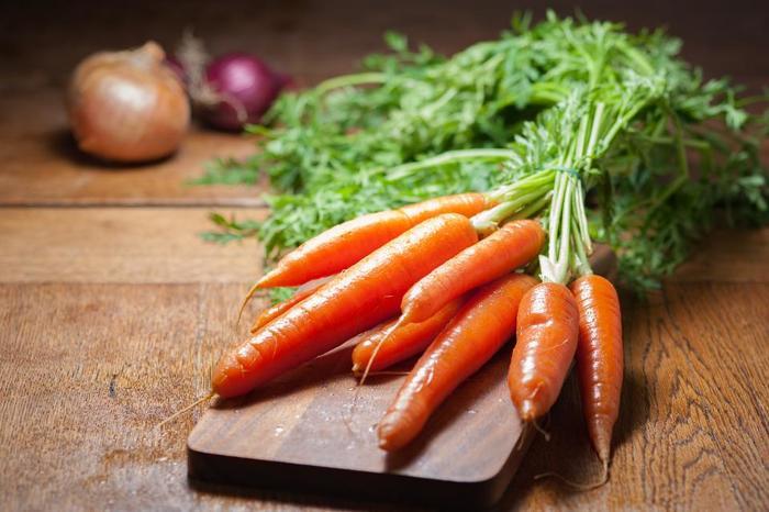 ふきんを使って、おいもやにんじんなどの野菜を洗うこともできますよ。