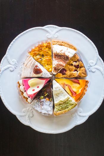 素材の持ち味や食感を活かしたパイやタルトは、北海道産のバターや小麦などを使用。ナッツ入りの生チョコをサンドした「生チョコパイ」は、定番&人気のスイーツです。
