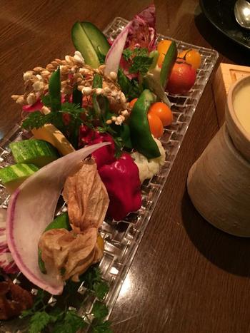 屋上菜園で穫れた野菜のほか、鎌倉野菜も仕入れています♪