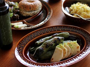 和食にも洋食にもしっくり馴染む日常使いできる気軽さと、使い心地のよさが魅力です。