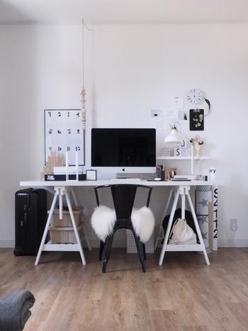 パソコンでの作業はもちろん、日記をつけたり、ネイルを楽しんだり、裁縫をしたり、生活の中で机に向かう時間というのは、思いつくだけでも結構ありますよね。