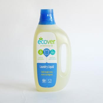 エコベールは、全成分が植物&ミネラル由来。 石油系成分、着色料、人工香料、化学増粘剤、その他アレルギーの原因となりうる化学物質は配合されていないので、人にもやさしいんです。 液体洗剤のボトルも、植物由来の素材100%なんですよ。